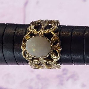 Moonstone opal color stone ring goldtone